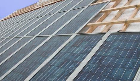 Tagkonstruktion med solceller